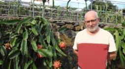 José Esteban Lorenzo Pérez nos descubre el mundo de la pitaya