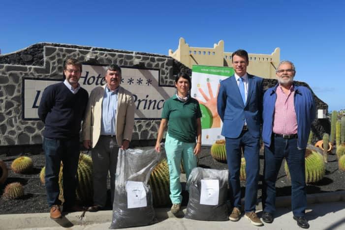 El Cabildo entrega compost elaborado en la isla al Hotel La Palma & Teneguía Princess